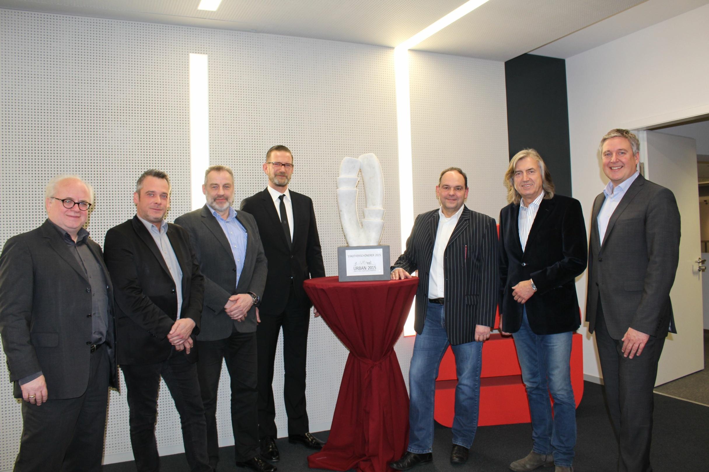 Preisträger URBAN Preis 2015_Männer im Anzug