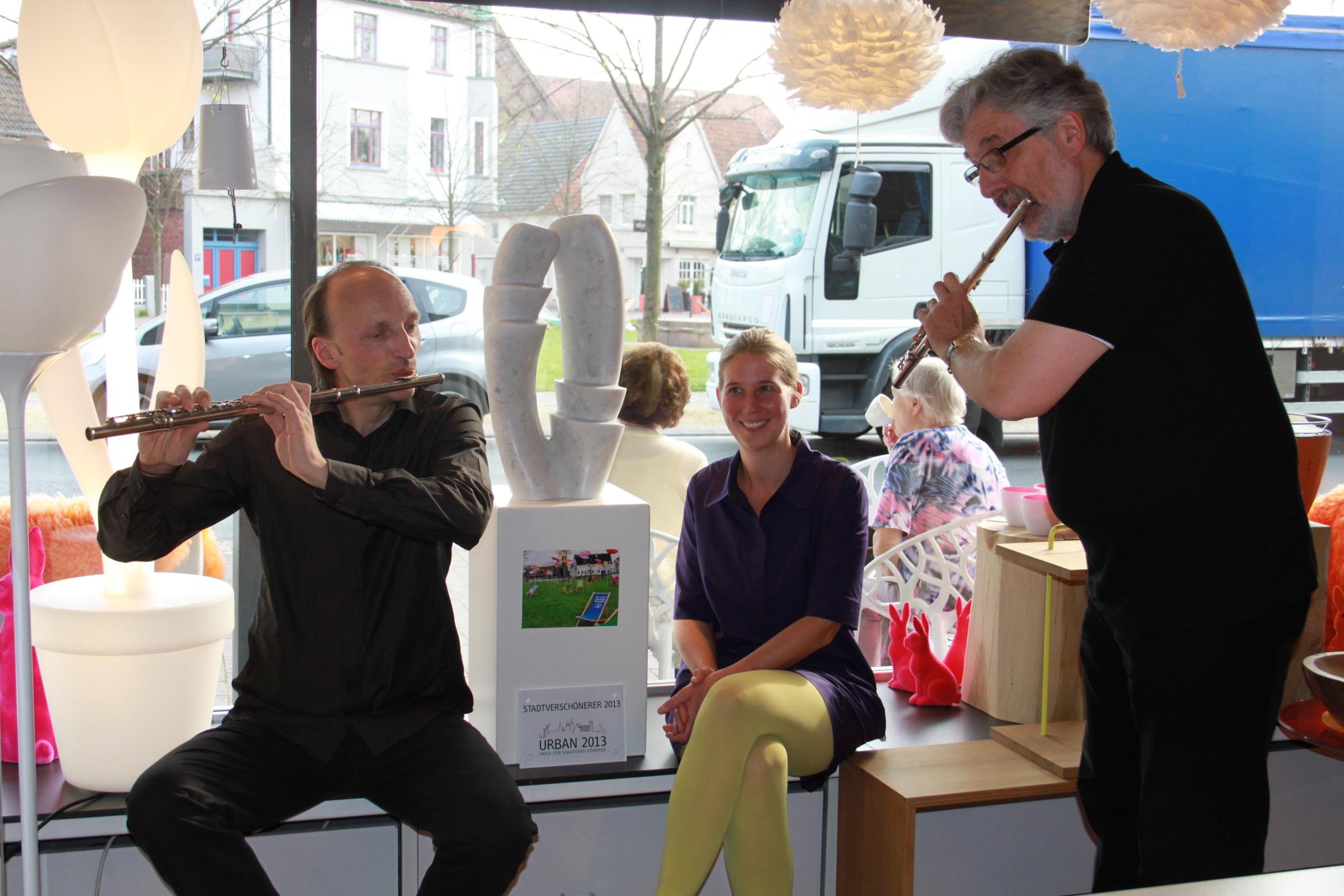 Preisverleihung URBAN-Preis 2013_Sieger und Flötenspieler