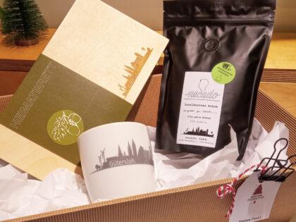 Geschenkset zum Frühstücken: Tasse, Holzbrett, Kaffee